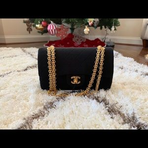 Vintage Chanel Classic Double Flap (small black)